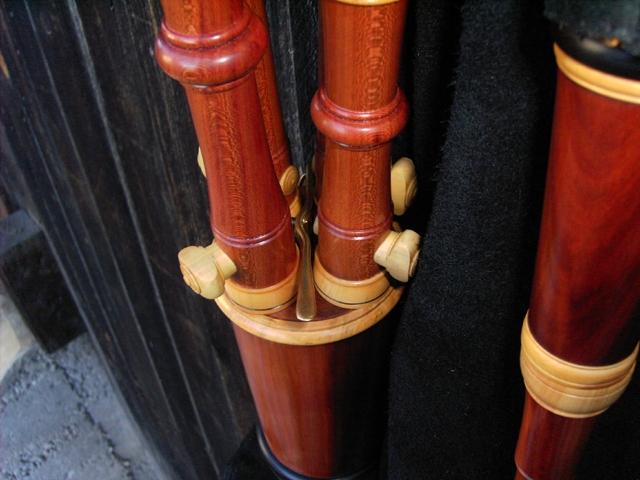 Schäferpfeife, 4 Bordune, Detail 1: Großansicht